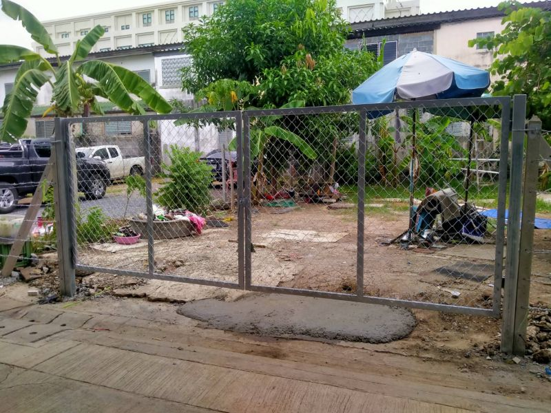 ผลงานติดตั้ง ประตูรั้วตาข่ายถัก ต.บางกร่าง อ.เมือง จ.นนทบุรี - 3 ก.ค. 63
