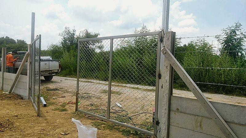 ผลงานติดตั้ง ประตูรั้วตาข่ายถัก อ.กำแพงแสน จ.นครปฐม - 14 ก.ย. 63