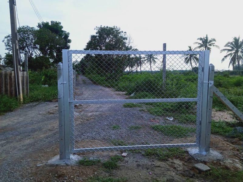 ผลงานติดตั้ง ประตูรั้วตาข่ายถัก ต.สวนแตง อ.เมือง จ.สุพรรณบุรี - 13 ต.ค. 63