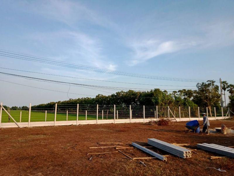 ผลงานติดตั้ง รั้วลวดหนาม (ทึบล่าง) อ.บ้านแหลม จ.เพชรบุรี - 22 ธ.ค. 63