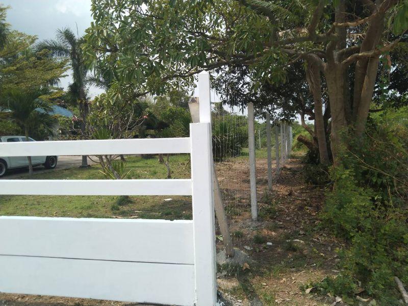ผลงานติดตั้ง รั้วคาวบอย 4 ชั้น (ทึบล่าง) ต.บ้านสวน อ.เมือง จ.ชลบุรี - 15 มี.ค. 64