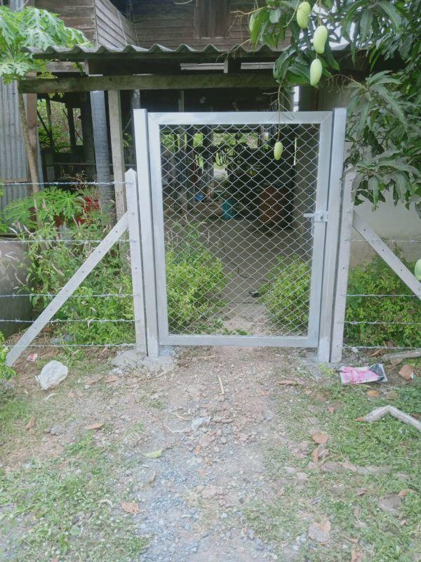 ผลงานติดตั้ง ประตูรั้วตาขายถัก ต.ดอนฉิมพลี อ.บางน้ำเปรี้ยว จ.ฉะเชิงเทรา - 11 เม.ย. 64