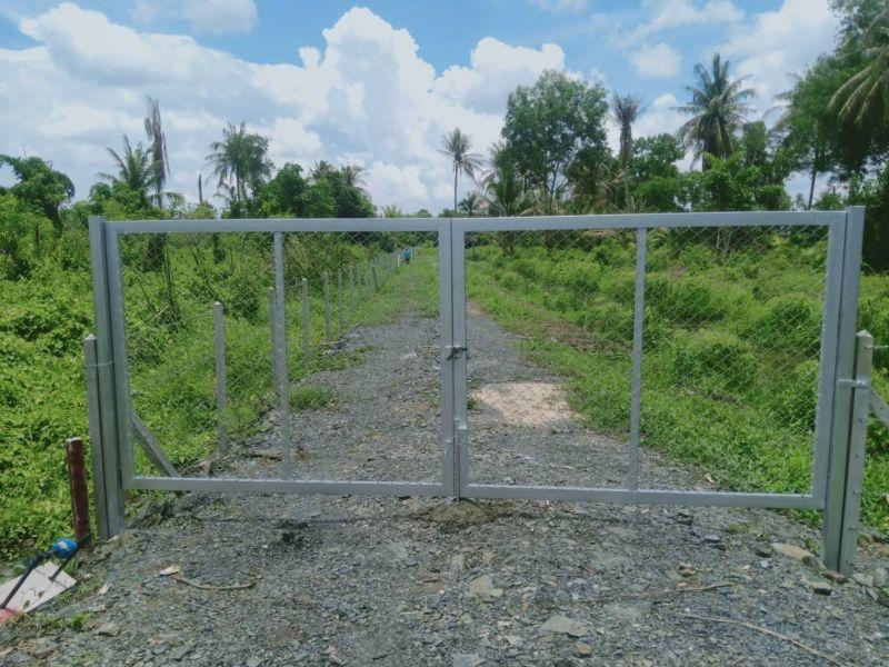 ผลงานติดตั้ง ประตูรั้วตาข่ายถัก ต.ดอนฉิมพลี อ.บางน้ำเปรี้ยว จ.ฉะเชิงเทรา - 19 เม.ย. 64