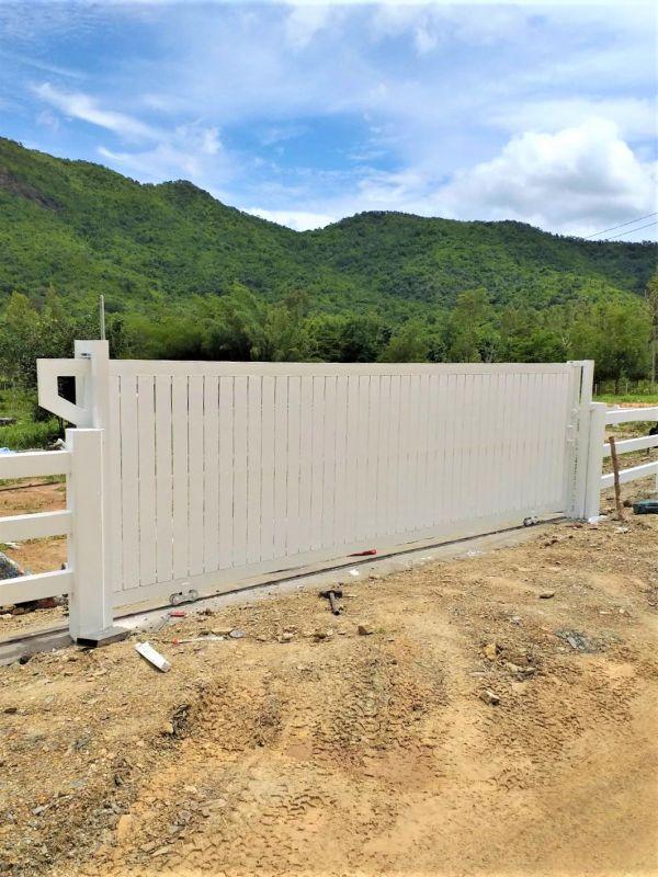 ผลงานติดตั้ง รั้วคาวบอย 2 ชั้น อ.สวนผึ้ง จ.ราชบุรี - 24 ก.ย. 64